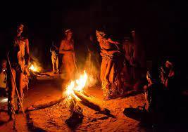 aperitivo alrededor del fuego